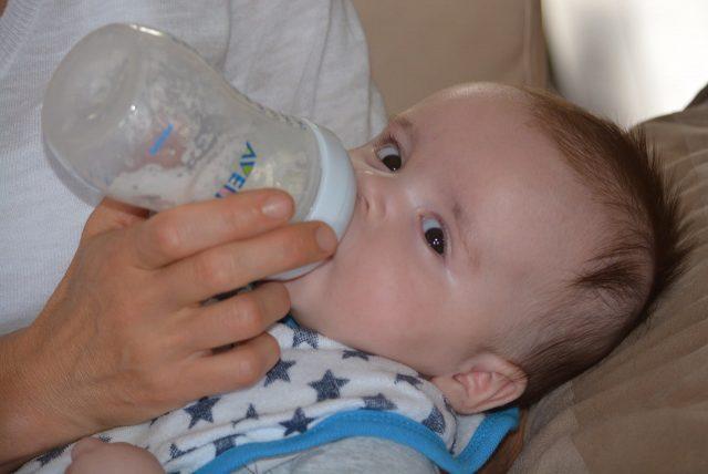 baby-milk-breastfeeding