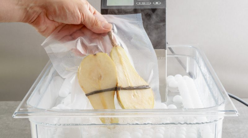 Sous vide cooking of pears